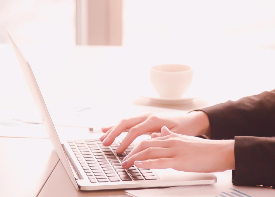 Wat is de beste verzenddag voor e-mails?
